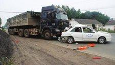 司机担心奔驰太贵撞不起 刹车失灵改撞教练车