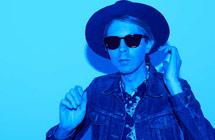 2015年第57届格莱美奖提名:最佳摇滚歌手 / 最佳摇滚歌曲 Beck /Blue Moon
