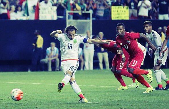 墨西哥点球两连击 2-1逆转十人巴拿马挺进决赛