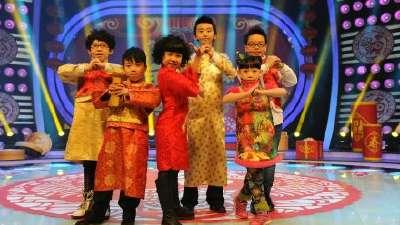 李毅夫《嗨皮一族》舞动全场 号称小迈克的潘泓仁送上新年祝愿