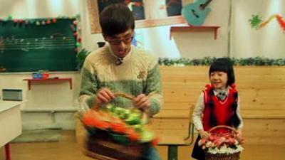 林志炫教萌娃扭秧歌 曹格教萌娃唱《东方之珠》