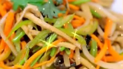 百年小菜炒咸什 麻香鸭子入选年度《幸福食谱》