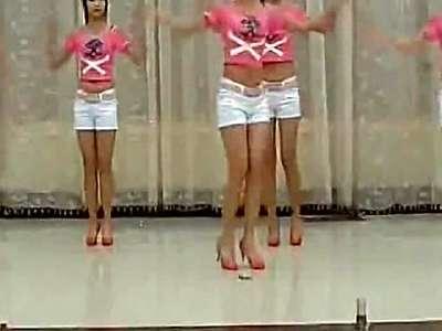 【久图网】性感美女大学生漂亮舞蹈表演高清版