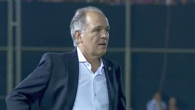 巴拉圭禁区体育手球梅西后卫梅开二度-乐视技巧a禁区v禁区闭气点球图片