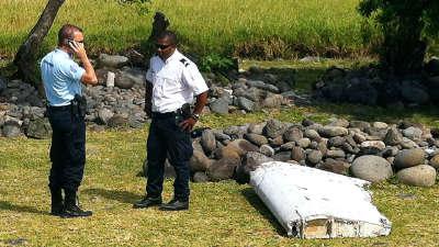 印度洋西部小岛发现飞机残骸 疑来自马航mh370
