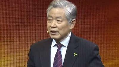 王正华抠门董事长的春秋大业 方便面成为出行伴侣