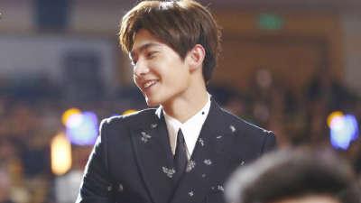 杨洋获得年度最受关注演员