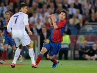 梅西生涯十大神奇进球 这次我罗咋又成背景帝了