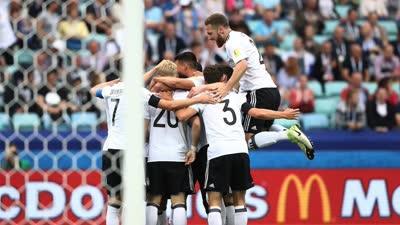 比赛报告-德国3-2开门红 施廷德尔进球门将黄油手