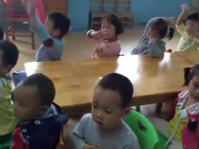 歌曲《我爱我的幼儿园》