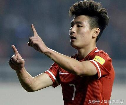 众国脚围攻某足球解说微博 只因他对恩师徐根宝出言不逊!