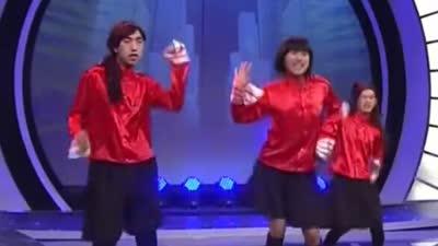 嘉宾爆竹反串演唱快乐宝贝 节目最后50笑星队获胜