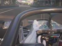 F1新加坡站FP1:汉密尔顿测试Halo保护装置