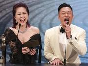 杨千嬅采访中不顾形象大笑 力撑余文乐当影帝