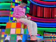 手脚并用拼魔方,中国男孩惊呆观众