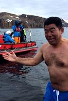 在南极冬泳
