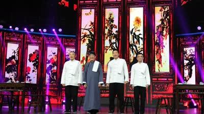 成都最后堂倌展示鸣堂技艺 绝活展示双手桩搭12碗米饭