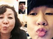 林俊杰与妈妈视频聊天 撅嘴亲亲喊我爱你