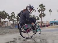 残障滑板女孩励志自述 坚韧意志让人敬佩