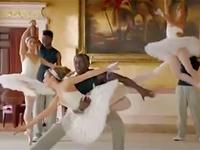 阿森纳四球星跳芭蕾 和美女上演梦幻舞步
