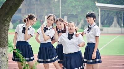 《十七岁的雨季》预告片  主打校园纯爱清新风