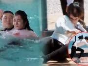 《奔跑吧》20170609:热巴泳池被弹飞 Baby平地摔个狗吃屎