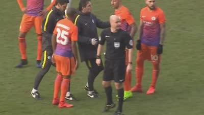 科拉罗夫拼抢受伤离场 萨尼亚替补上阵勤王