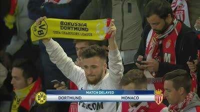 大巴遭袭场内播放球队消息 多特球迷紧张摩纳哥球迷送鼓励