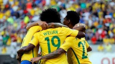 澳大利亚VS巴西首发:保利尼奥塞恩斯伯里首发