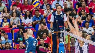 新人出战  中国队0-3美国队获得女排大奖赛亚军
