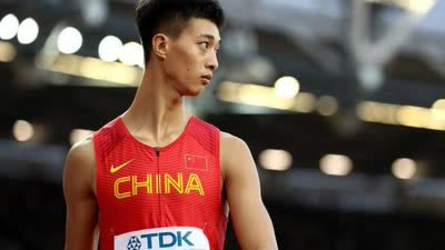 世锦赛三级跳吴瑞廷晋级决赛 名将董斌因伤退赛