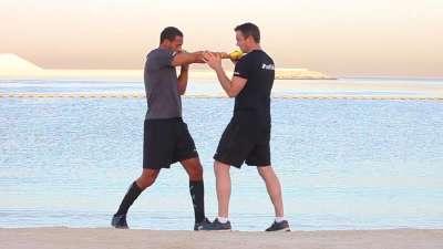 曼联名宿费迪南转战拳坛 看看他每天是怎么训练的