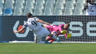 比赛报告-尤文2-0佩斯卡拉8分领跑 伊瓜因梅开二度