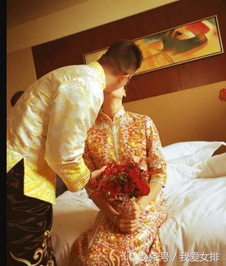 组图|袁灵犀接亲用5种语言表白魏秋月,透露二人初吻时间
