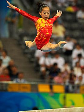 两届体操冠军邓琳琳:荣誉背后的迷茫与转变