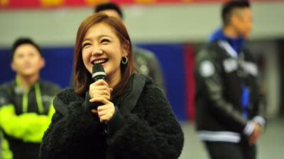 新年运动会薛佳凝反转获胜 粉丝偶像组团对抗战