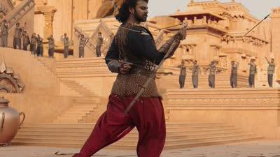 《巴霍巴利王:开端》场景预告片 重现远古神话战争