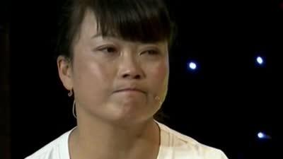 女大力士背后的笑与泪 危险表演只为生活