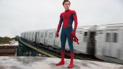 《蜘蛛侠:英雄归来》曝6秒先导预告 彼得胸前有玄机秃鹰爪子毁飞机
