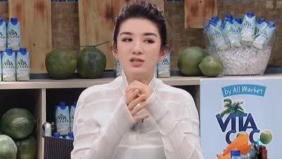 黄奕讲述女儿铛铛开心落泪 愿意做饭