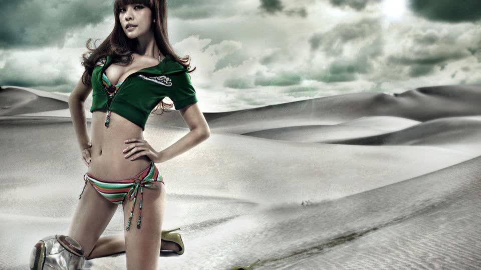日本足球宝贝海滩性感写真沙滩嬉戏秀嫩白双乳性感nyou写真图片