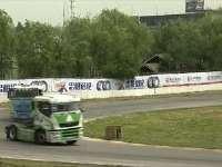 卡车公开赛解说普及知识 超车多进弯切内侧