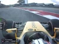 霍肯伯格1号弯出弯走大 赛车压上路肩稍有失误