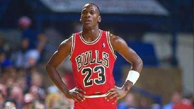 历史上的10月27日:乔丹迎NBA首秀 浓眉哥砍50分