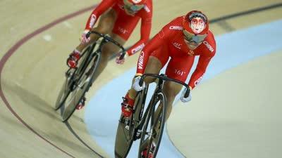 场地车女子团体竞速赛 中国队夺得奥运自行车首金