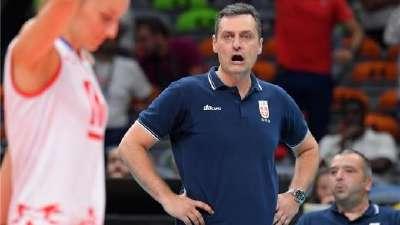 女排决赛对手塞尔维亚教练赛后采访 决赛有信心