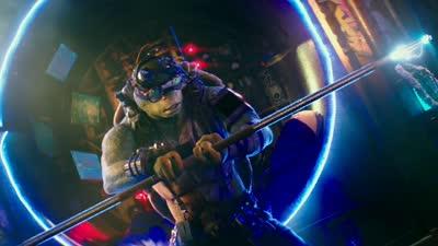 《忍者神龟2》全新官方中文版预告  忍者神龟搏命厮杀完爆跑男