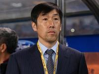 高洪波:亚足联出台新规则 国际级裁判为球员授课
