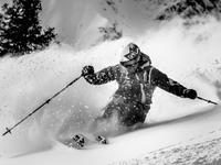 极限达人挑战越野滑雪 第一视角探秘冰雪世界