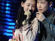 小沈阳搂张柏芝合唱  网友:手放哪呢?